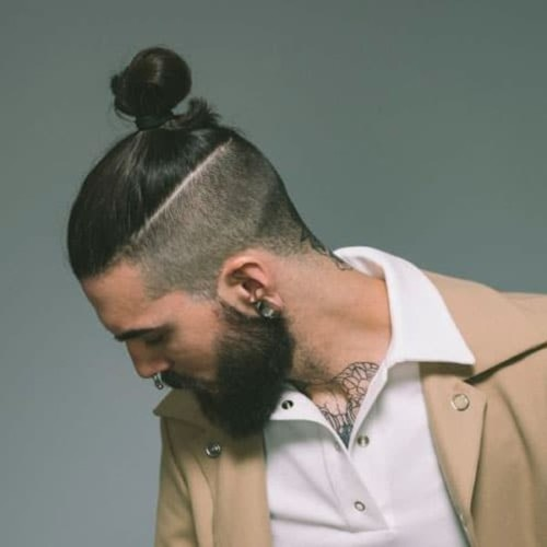 Cool-Japanese-Samurai-Hair-Top-Knot-Hairstyle
